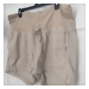 🤰✨5/$25✨Old Navy L Linen Shorts